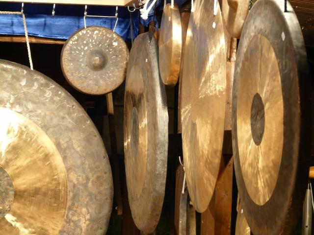 Klang-Erlebnis mit Gong und Klangschalen
